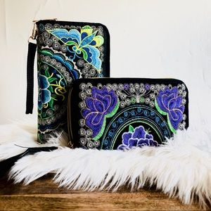 Handbags - Embroidered Clutch